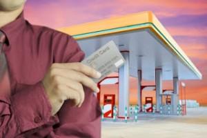 ガソリンスタンドでクレジットカード